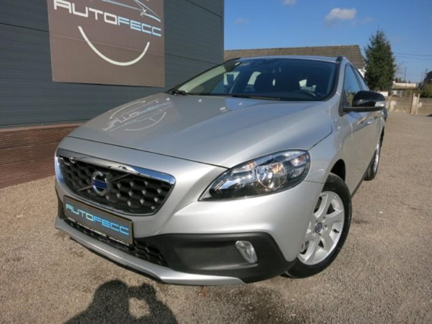 volvo v40 cross country 2 0 d3 150 kinetic geartronic. Black Bedroom Furniture Sets. Home Design Ideas